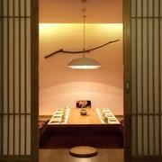 日式餐厅包间推拉门