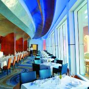 色彩鲜艳的饭店