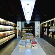 书店白色书台展示