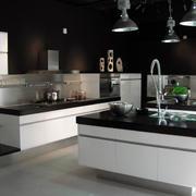 黑白厨房欣赏效果图