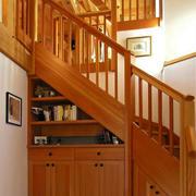 木质楼梯收纳柜设计