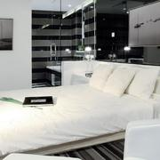 公寓卧室白色温暖床图片