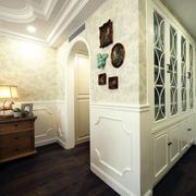 房屋美式拱形门图片