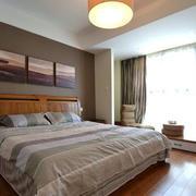 公寓卧室床头装饰画设计