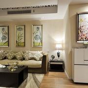 小户型公寓客厅沙发装饰画