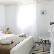 别墅卧室飘窗图片