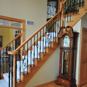 温暖的家居木质楼梯