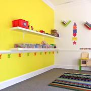 幼儿园教室墙面置物架