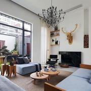 公寓客厅蓝色沙发