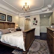 美式房屋木质卧室装饰