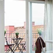 家居阳台门装饰