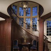 欧式风格大型旋转楼梯