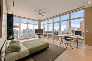 阁楼玻璃墙面设计