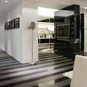 公寓黑白相间的地板展示