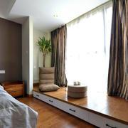 公寓卧室大飘窗窗帘设计
