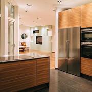 厨房木质橱柜
