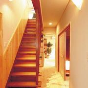 跃层木质楼梯展示