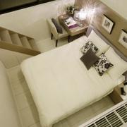 别墅温馨卧室图