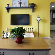 房屋橙黄色电视背景墙设计