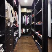 黑色衣帽间衣柜