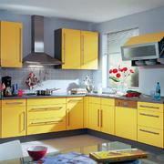 黄色的厨房橱柜设计