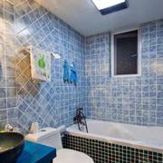 卫生间蓝色瓷砖