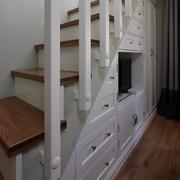 两室一厅楼梯收纳设计