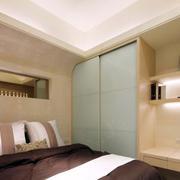 房屋卧室小衣柜装饰图