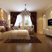 别墅卧室舒适大床