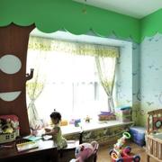 绿色儿童房飘窗
