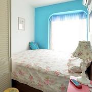 别墅小房间床欣赏