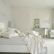 卧室洁白墙面展示