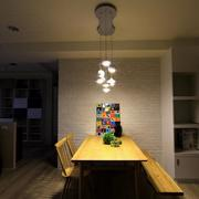 灯光下三室一厅餐厅