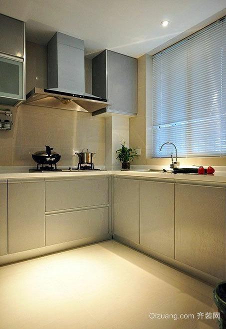 朴实有质感现代大户型厨房橱柜装修效果图