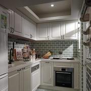 房屋白色厨房图