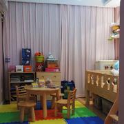 儿童房儿童桌摆放