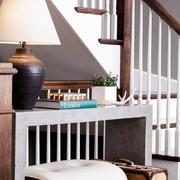 复式楼木质楼梯