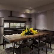 家居餐厅木质桌椅展示