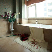 婚房卫生间浴缸