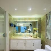 新房卫生间浴柜图片