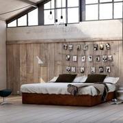 阁楼卧室图