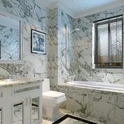 卫生间花样瓷砖