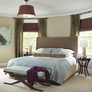 卧室高贵窗帘设计