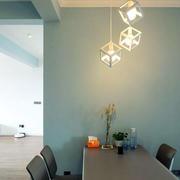 灯光下的房屋餐厅图片