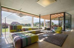 别墅家居客厅落地窗设计