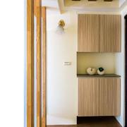 单身公寓进门柜子装修