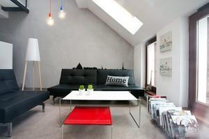 散发简约空间魅力的不规则阁楼装修效果图
