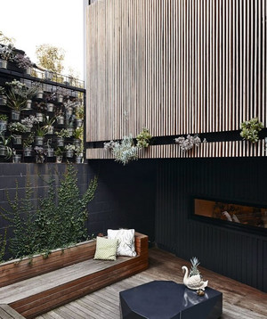 深色调单身公寓设计