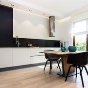 单身公寓木地板图片