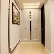 三室一厅进门玄关装修